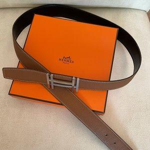 Hermès Au Carre Reversible buckle belt leather